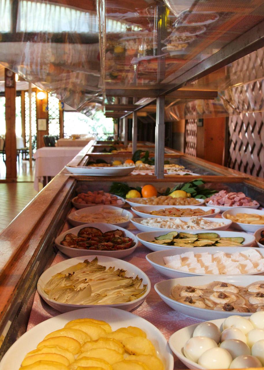 Antipasti a buffet ristorante romani for Antipasti romani